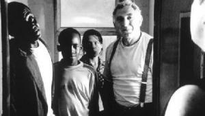 Jan Decleir, Kalomba Mboyi, Antje De Boeck, Ansou Diedhiou in Hop (2002)