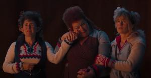 Janne Desmet, Eva Van Der Gucht, Josje Huisman in De familie Claus (2020)