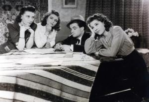 Vera Bosmans, Martha Dua, John Stuyck, Marina Candael in Veel geluk, Monika (1941)