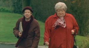 Dora van der Groen, Ann Petersen in Pauline & Paulette (2001)
