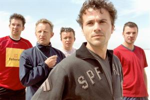 Warre Borgmans, Tom Van Landuyt, Geert Hunaerts in Team Spirit 2 (2003)