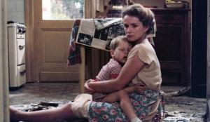 Marie-Christine Barrault in Een vrouw tussen hond en wolf (1979)