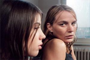 Zoë De Roovere, Karlijn Sileghem in Suspect (2005)