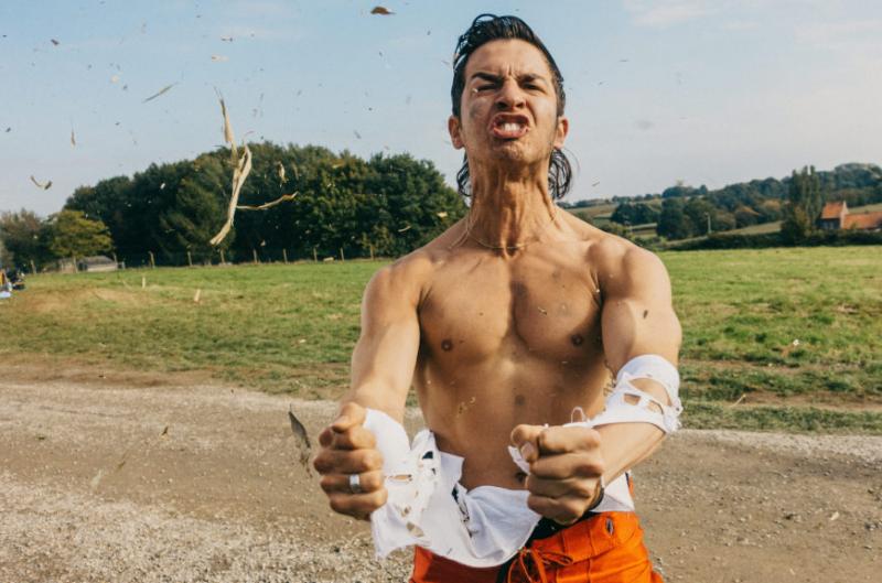 Opnames 'Zillion' eindelijk begonnen met Matteo Simoni als Vlaamse pornokoning
