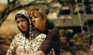 Tine Embrechts, Nele Van Rompaey in Los zand